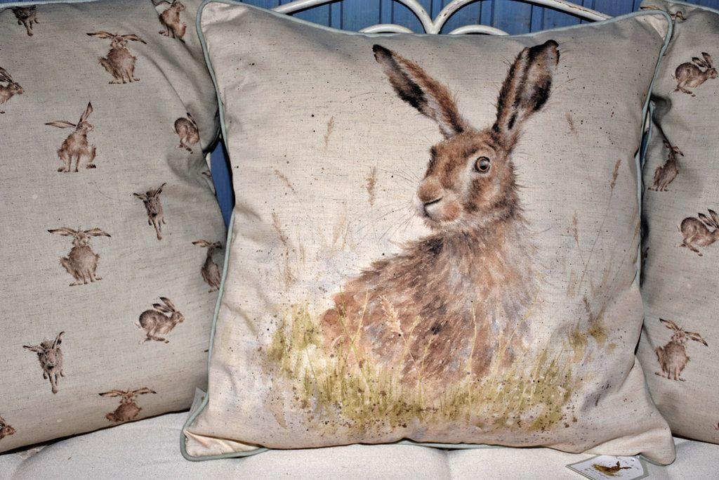 Wrendale Kissen 60 X 60 Cm Mit Hasenmotiv Throw Pillows