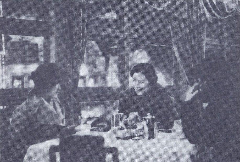 1935年(昭和10年)。今度は夜の...