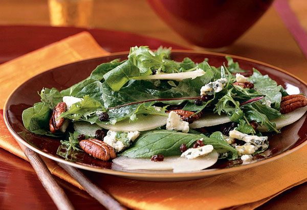 Pear Salad with Tamari Pecans and Blue Cheese by oprah #Salad #Pears #Pecans Blue_Cheese