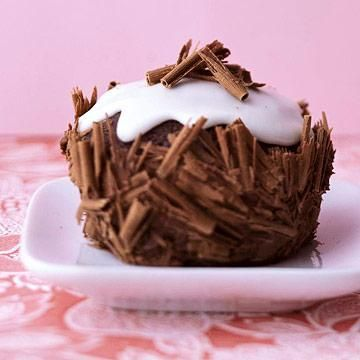 DECADENT DESSERT RECIPES | Ebony and Ivory Cupcakes