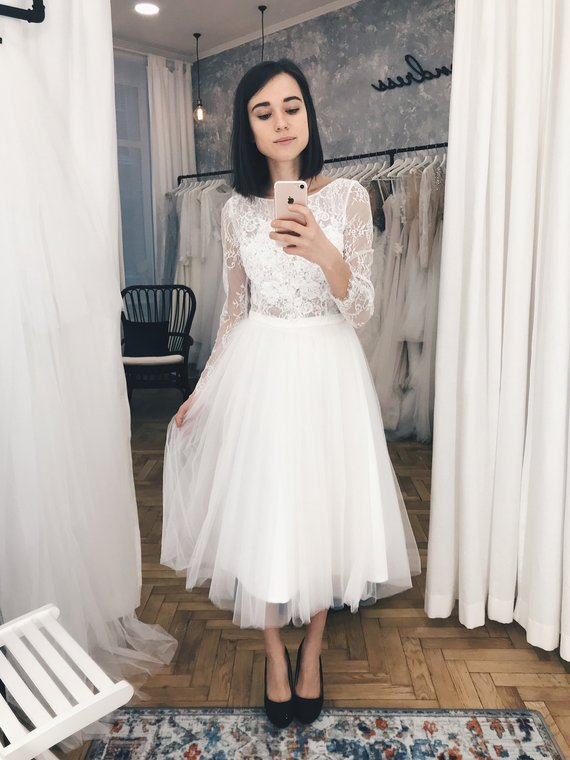 Short Wedding Dress Lace And Tulle Wedding Dress Midi Etsy In 2020 Midi Wedding Dress Short Lace Wedding Dress Casual Wedding Dress
