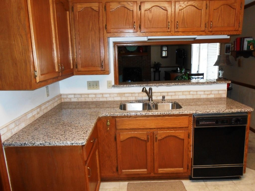 55 Medium Brown Cabinets With Granite Countertops Backsplash For Kitchen Ideas Check More At Http Medium Kitchen Granite Kitchen Granite Countertops Colors