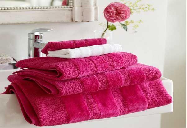 Decorar el cuarto de baño a todo color. Rosa fucsia.   Mil Ideas de Decoración