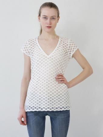 textured geo honeycomb tshirt @beyondvintage.com store great layering piece for the spring