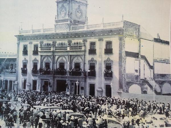 Manifestación frente a palacio municipal