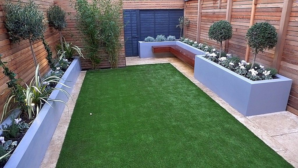 cedar screen topiary fake grass formal privacy fence london chelsea design fulham garden modern