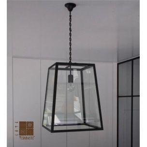 Luminaire suspension design cette lampe suspension est for Luminaire terrasse design