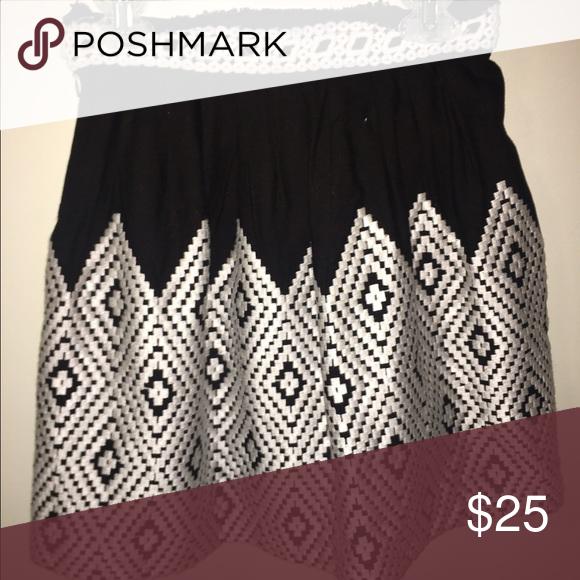 Black and White Skirt Black and white patterned skirt signature 8 Skirts