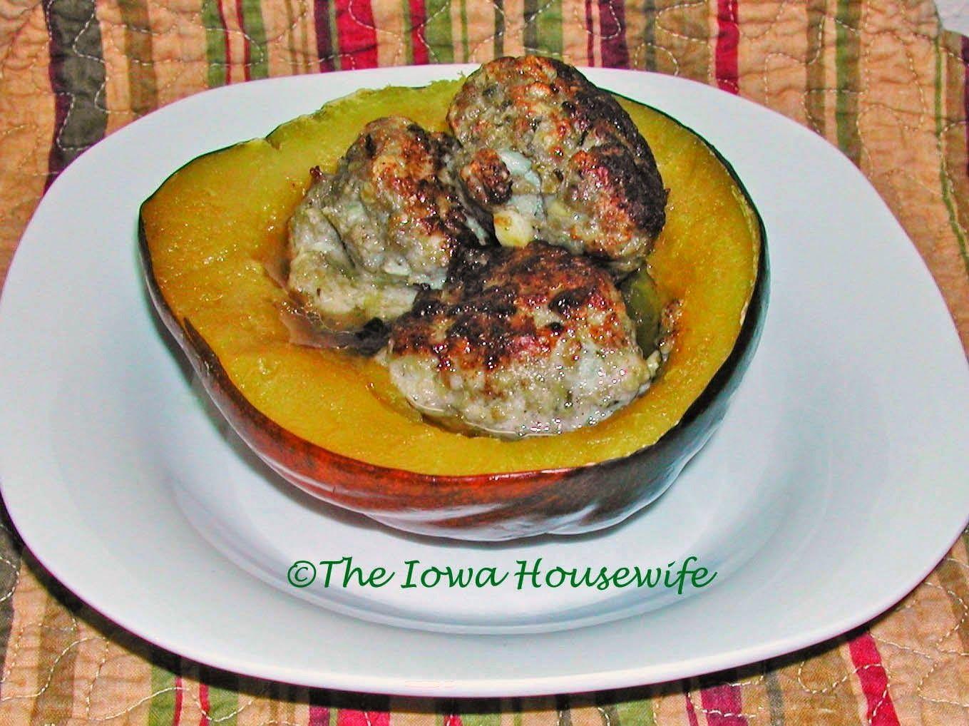 The Iowa Housewife: Sausage-Apple Stuffed Squash