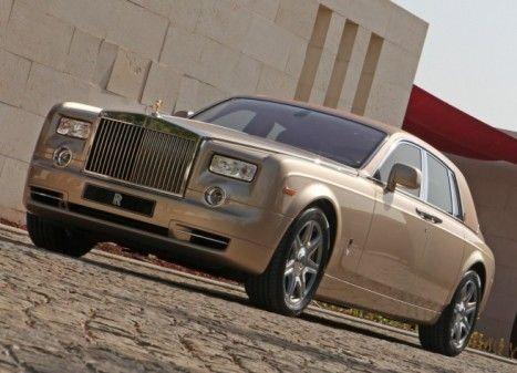 Hong Kong Holds The Most Rolls Royce S Per Capita Hongkong Fact Rollsroyce Mercedes Rolls Royce Rolls Royce Drophead Rolls Royce Phantom