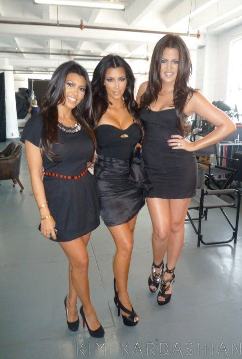 I Love Doing Photo Shoots with My Sisters – Kim Kardashian: Official website