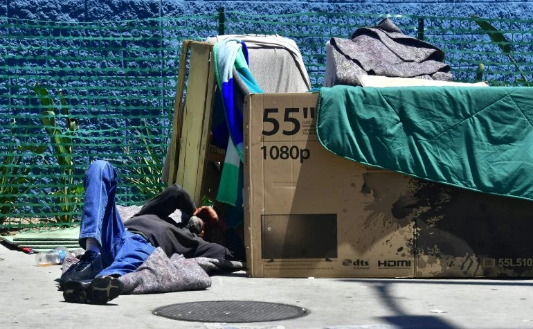 Do Homeless People Have The Right To Sleep On Sidewalks Supreme Court Takes Up Issue On Friday Ktla Homeless People West Coast States Homeless