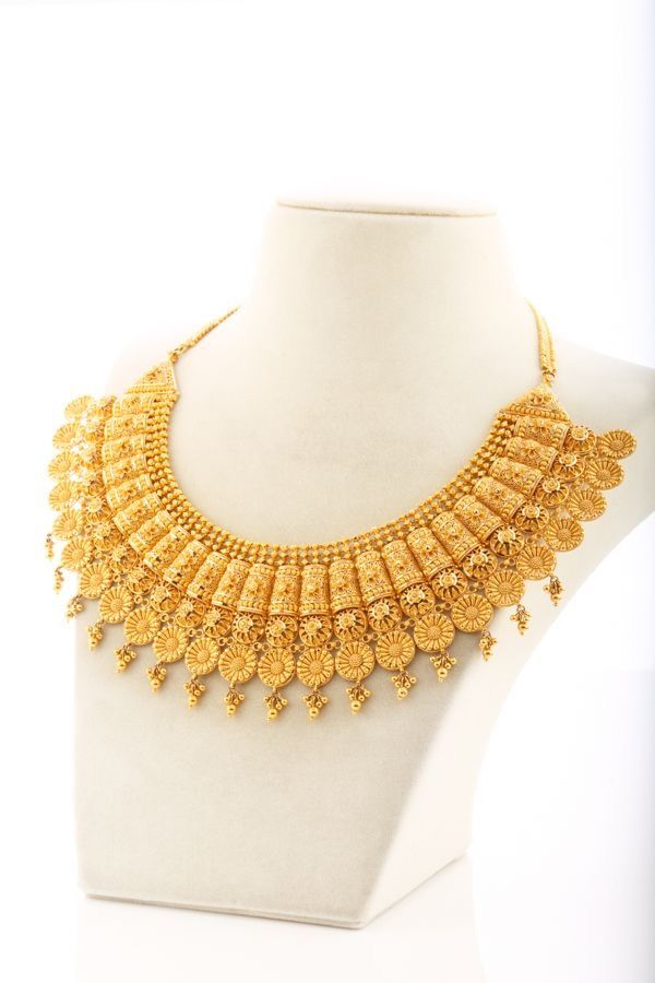 Love the design Necklaces Pinterest India jewelry Gold and