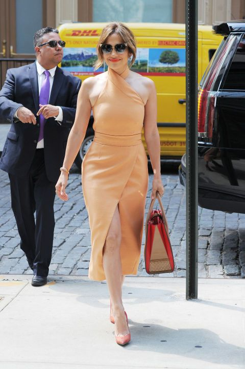7522dcc4892 Pin by Luna on Jennifer Lopez | Fashion, Jennifer lopez, Jennifer ...