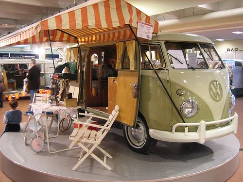 Split-screen camper with picnic, via Flickr.