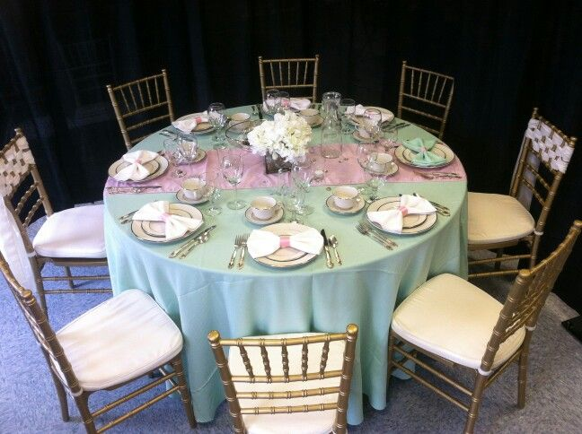 Pin By Jerome S Party Plus On Tablescapes And Napkin Folds Gold