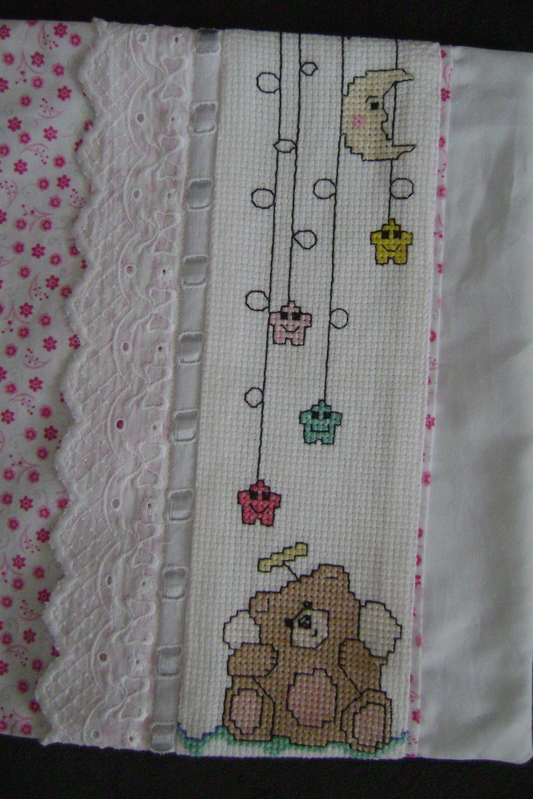 Ponto cruz bebê: fronha para lençol de berço-2 | Arteiras ...
