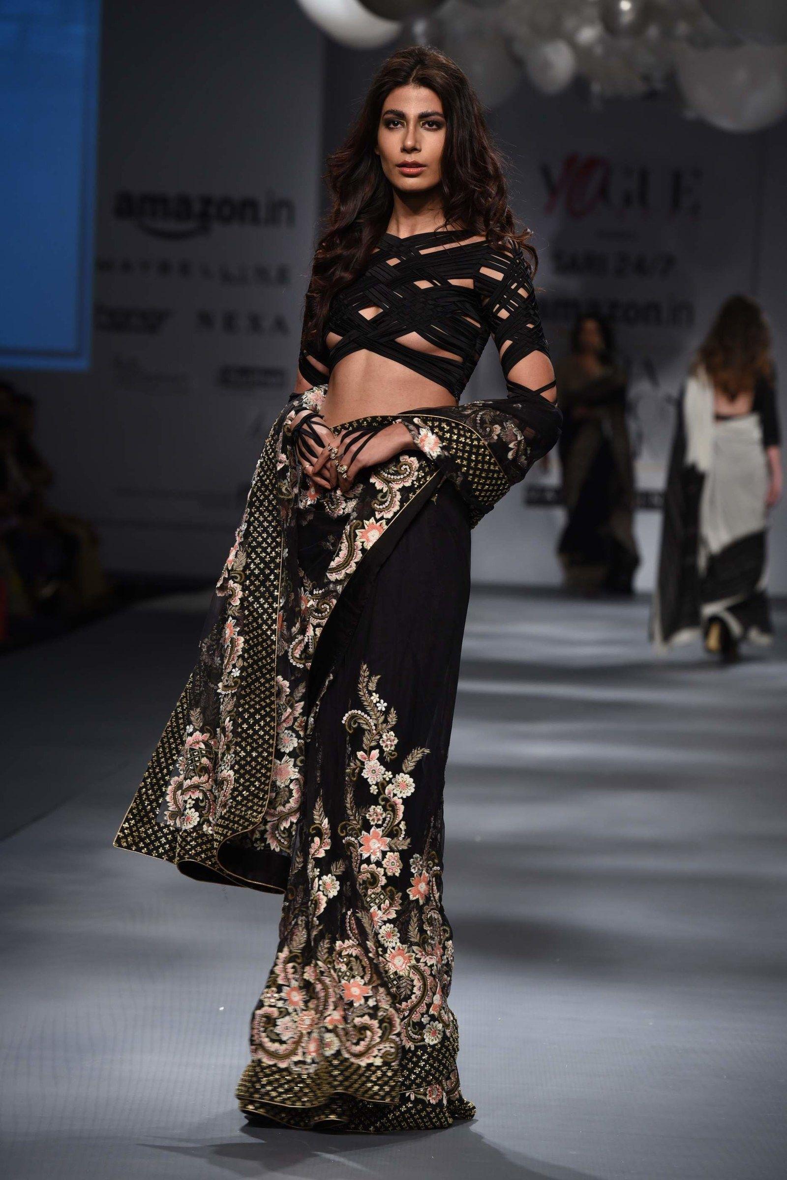 Here Are 35 Non-Boring Ways To Drape A Sari #saridress