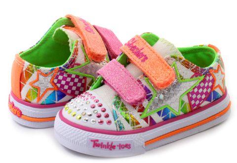 Nie sú rozkošné? :-D Nádherné farby tenisiek #Skechers pre vaše dievčatko.