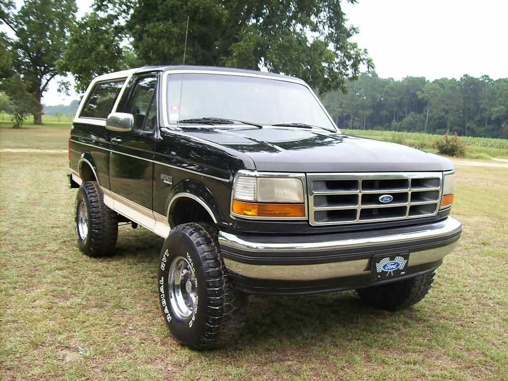 Ford Bronco I Ve Always Loved The Ford Bronco From The Early Little Jeep Fighters To The Last Year They Were Produced While Cool Trucks Ford Bronco Trucks