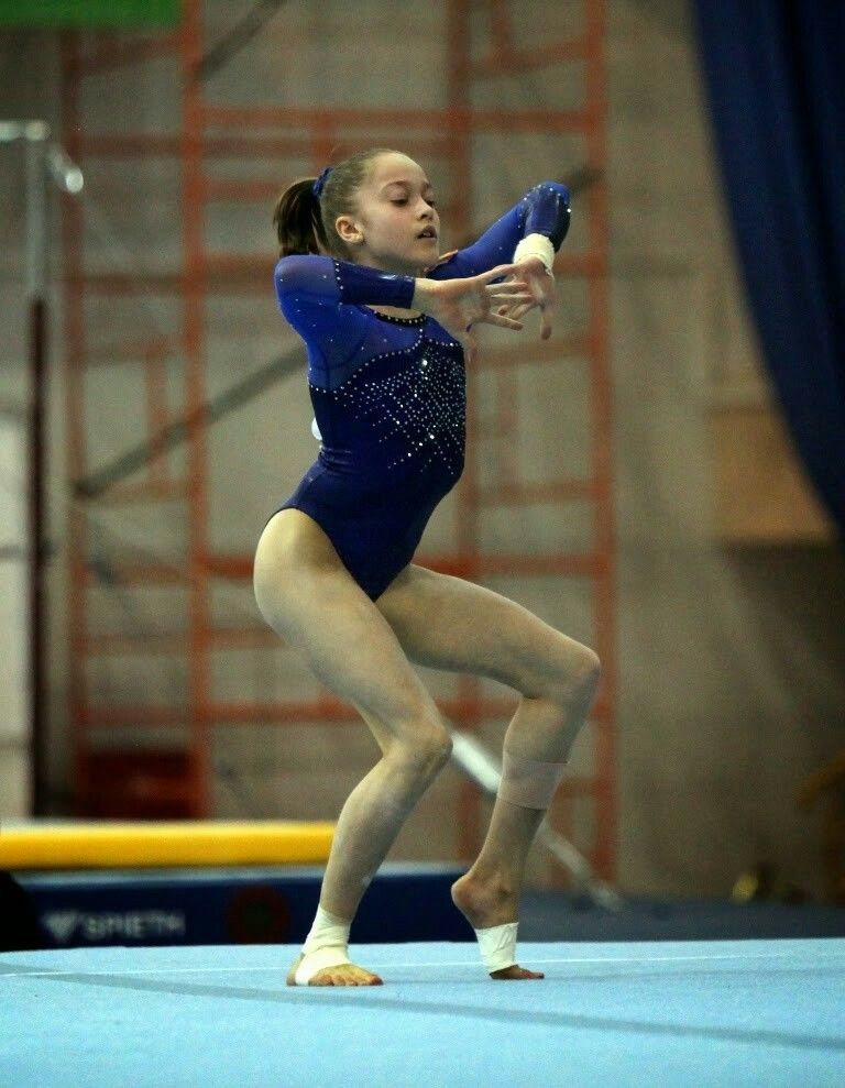 Pin by Wanda Perry on sports people Artistic gymnastics