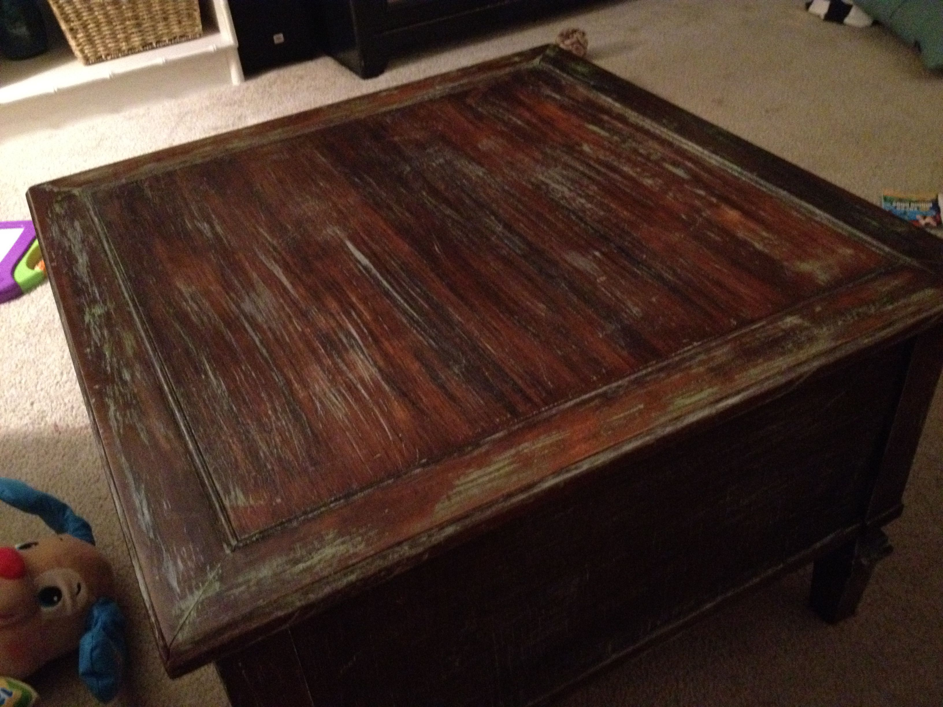 Marvelous DIY Distressed Coffee Table