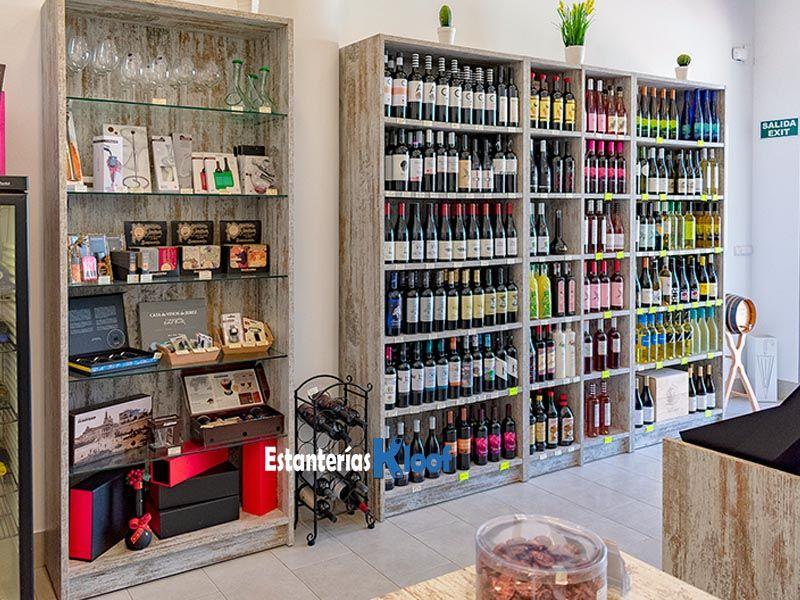 Botelleros y estanter as de madera para la exposici n de - Estanterias de vino ...