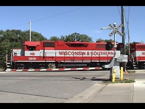 ▶ High Iron Throwback #10: Two Runbys of WSOR 3806 on PDCM at Madison 8/3/2007 - YouTube
