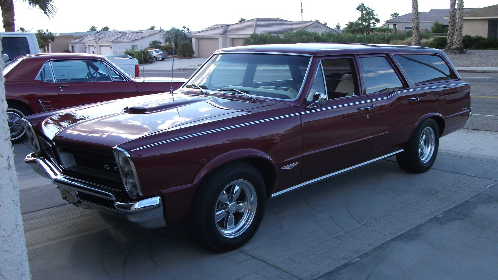 1965 Pontiac Custom Station Wagon presented as Lot T143 at