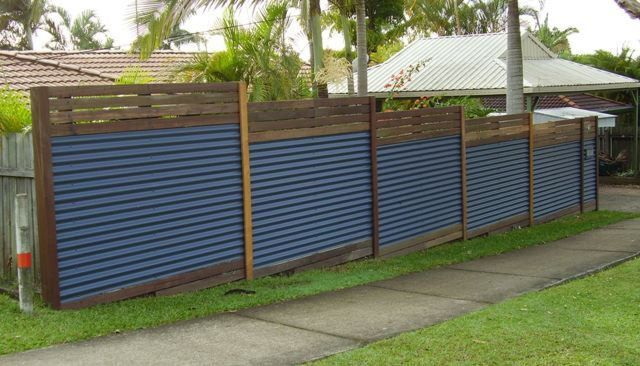 Zincalume Mountain Blue With Horizontal Pine Slats Home