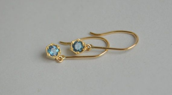 Color Change Alexandrite in 14K Yellow Gold Hexagon by yvonneraley