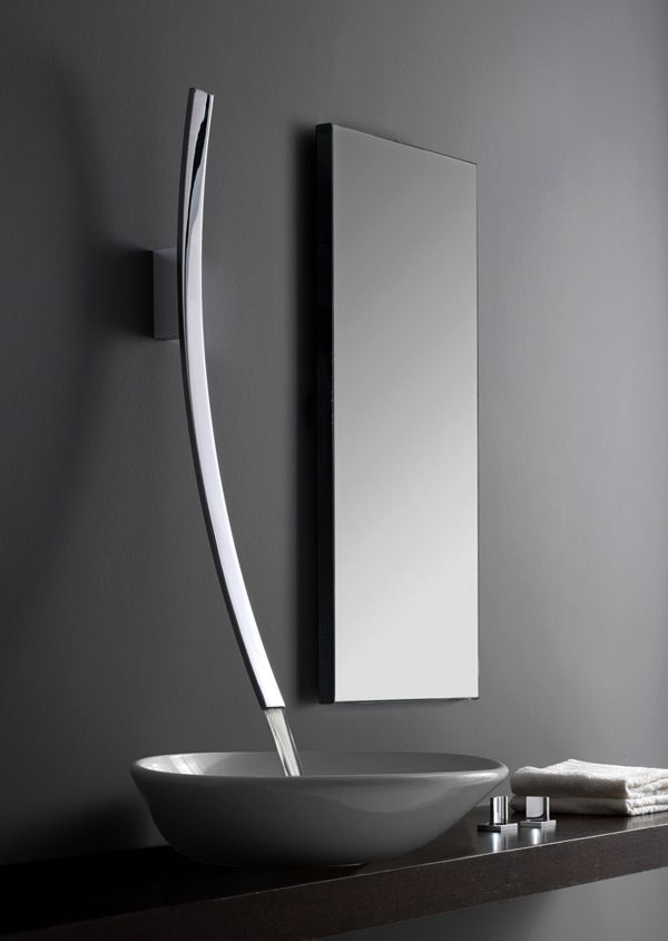 Rubinetti Bagno Moderni.Luna Faucets I Can Just Imagine Guests Coming Out Of The