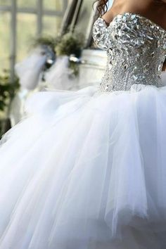 Ball Gown Wedding Dress With Bling Sweetheart Neckline