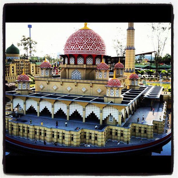 putra-mosque-lego-remake-legoland-johor-malaysia ...