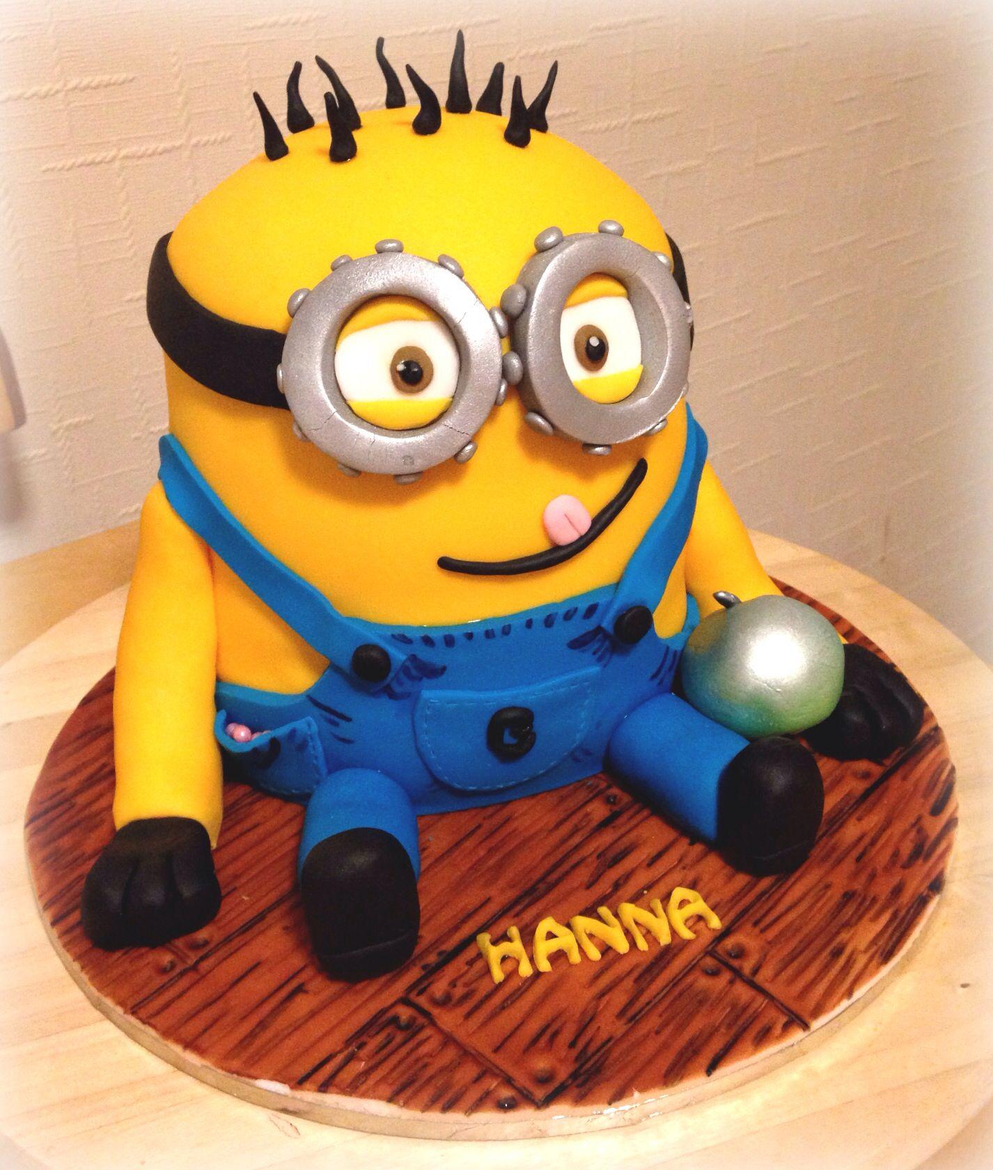 Minion Cake Design Pinterest : Minion cake :) Fondant Cake Pinterest
