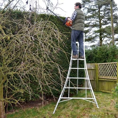 Professional 10ft Platform Tripod Ladder Fully 3 Leg Adjustable Metal Shed Garden Buildings Ladder