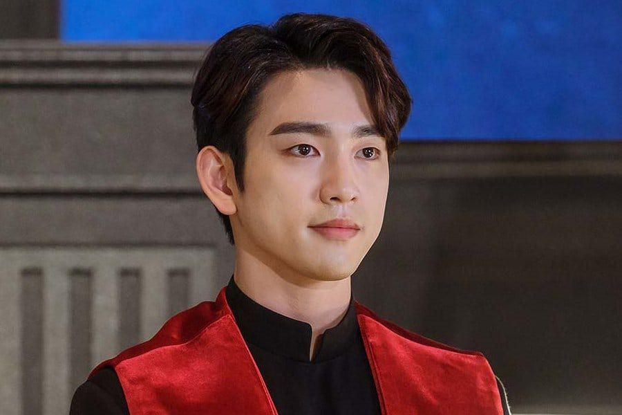 """GOT7's Jinyoung Transforms Into A Judge Who Pursues Justice In Upcoming Drama """"The Devil Judge"""""""