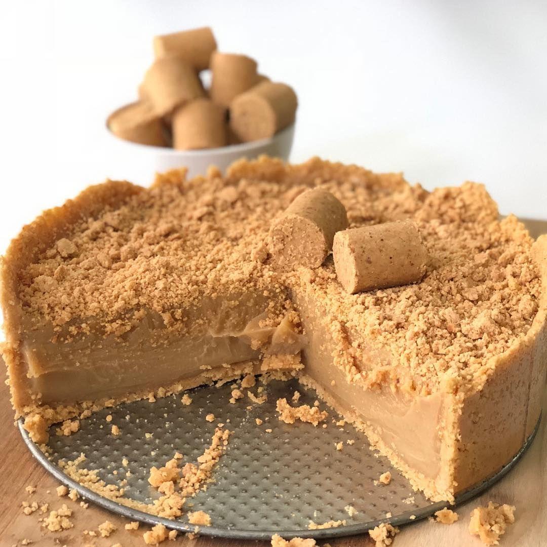 Cade os apaixonados por PAÇOCA?❤ . Essa torta de brigadeiro de ...