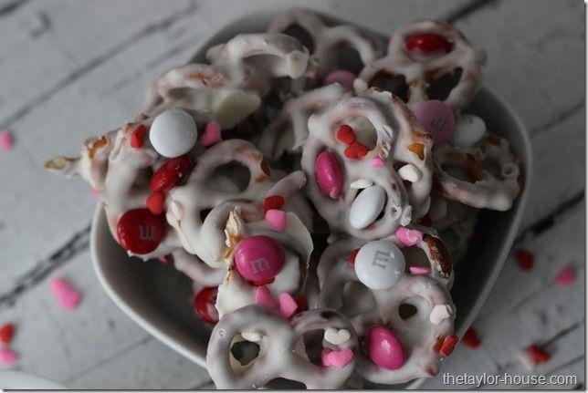 Valentine Pretzel Crunch, Valentine's Day Treats, CandiQuik, Valentine Treat