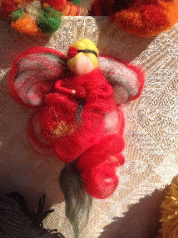 Fata delle rose rosse in  Lana fiaba di CreazioniMonica su Etsy