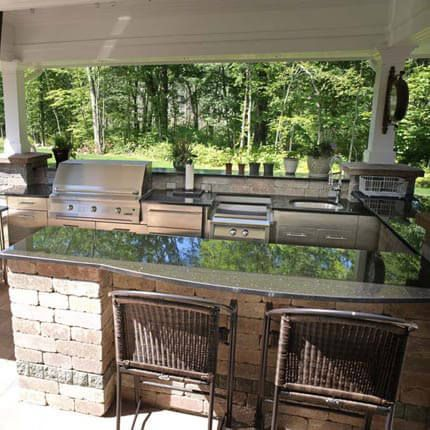 Best Want Your Outdoor Kitchen To Be The Center Of Attention 400 x 300