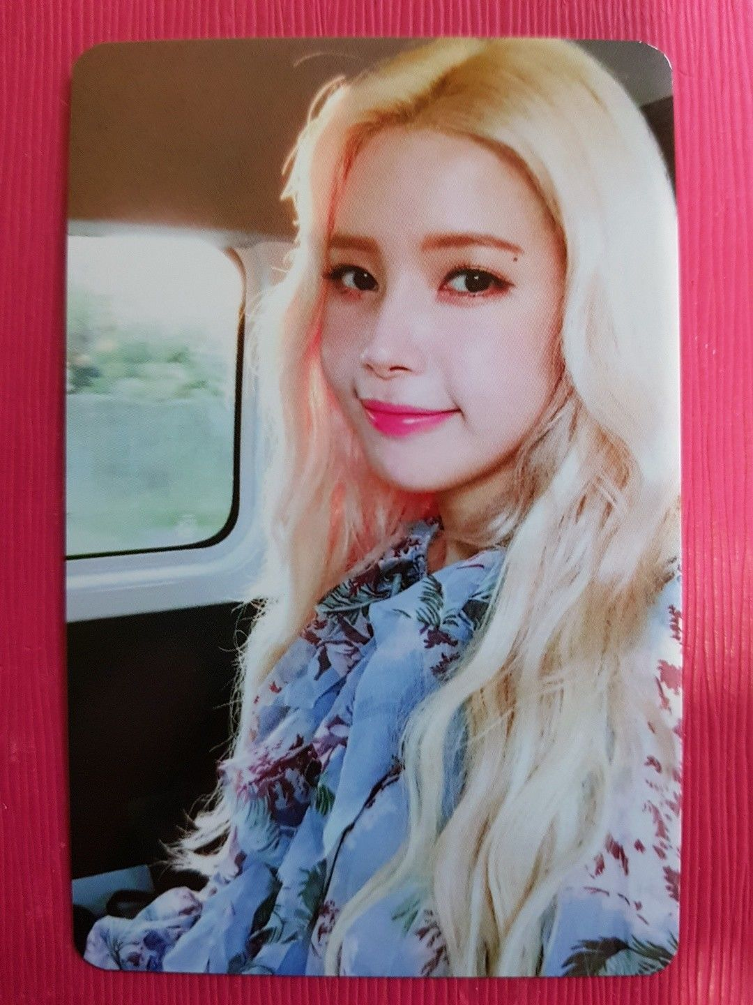 11.39 Mamamoo Solar Authentic Official Photocard Yellow