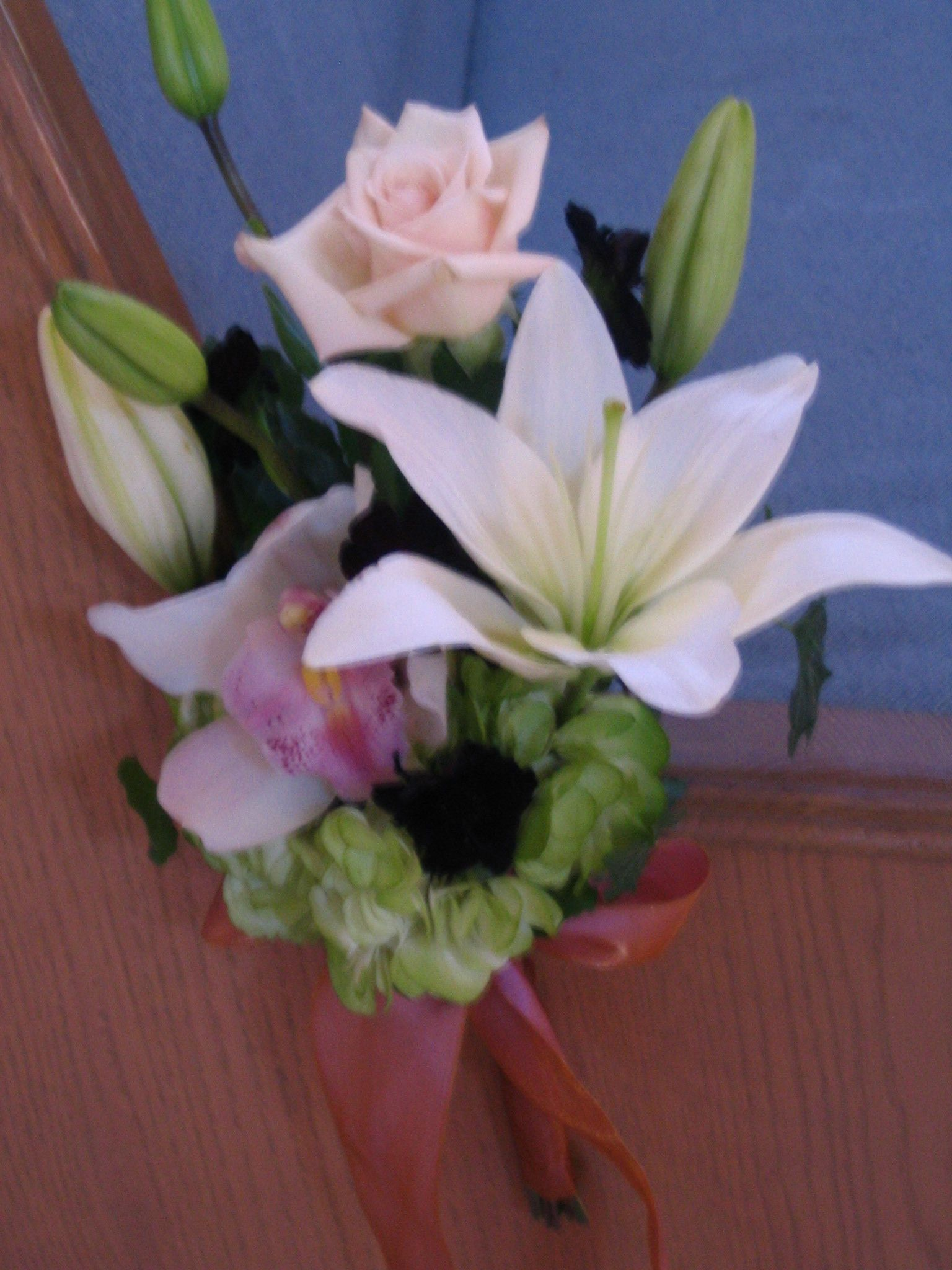 Pew arrangements, Nude church flowers