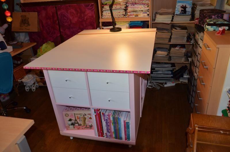 une table de couture sur mesure avec kallax tables de couture sur mesure et mesure. Black Bedroom Furniture Sets. Home Design Ideas