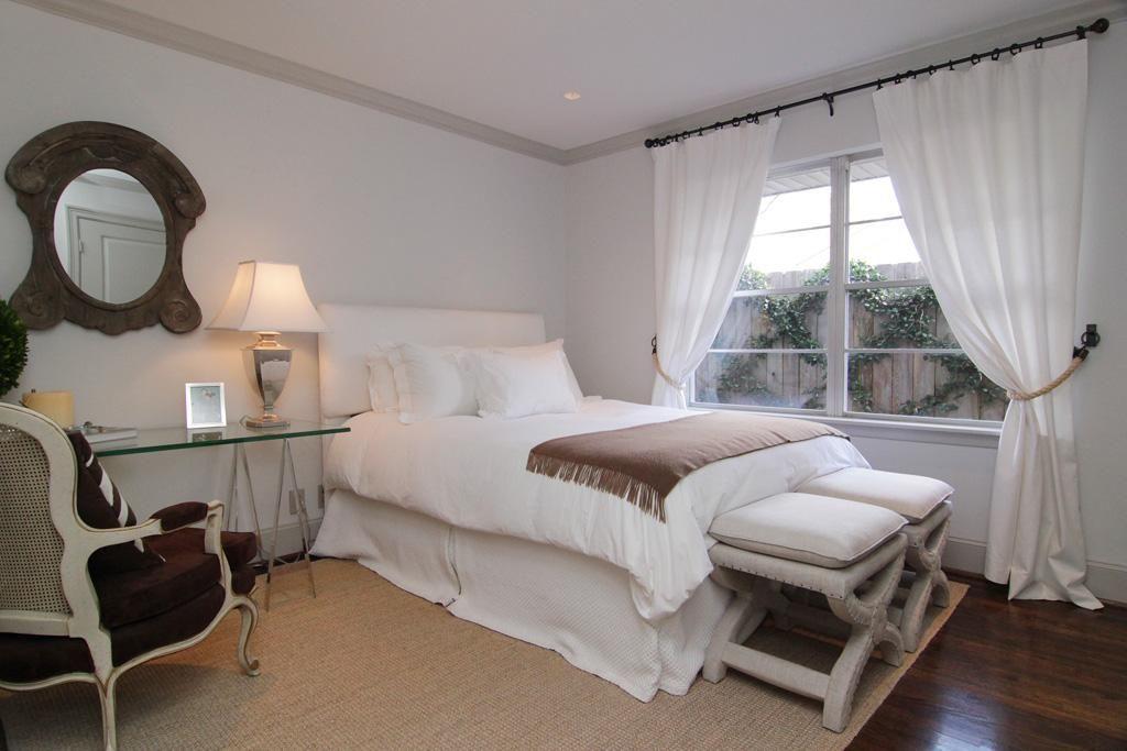 Best Secondary Bedroom 12X11 Features Beautiful Hardwood 640 x 480