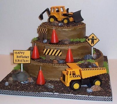 Super Cool Construction Themed Birthday Cakes Perfect For The Little Boy Or Big Who Loves Tractors Trucks And All Things