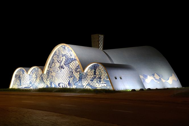 Designed By Architect Oscar Niemeyer With Paintings By Candido