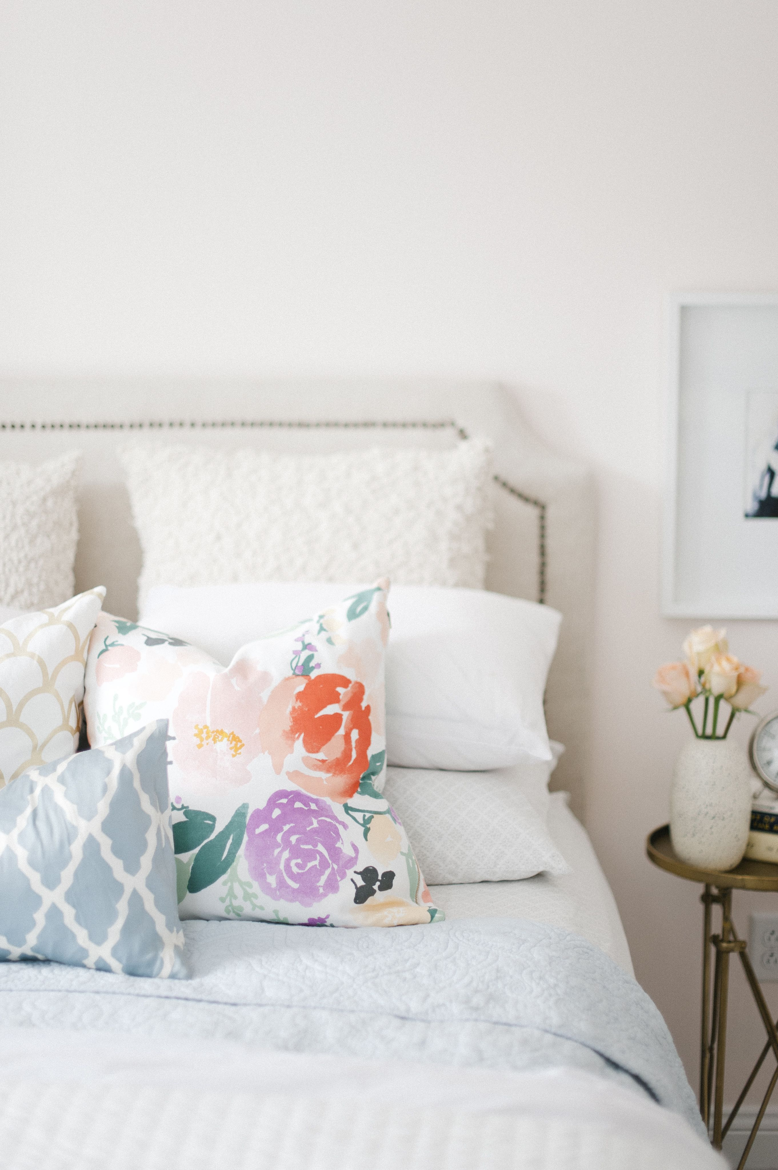 mixed pillows. | bedrooms. | Home decor inspiration, Home ...