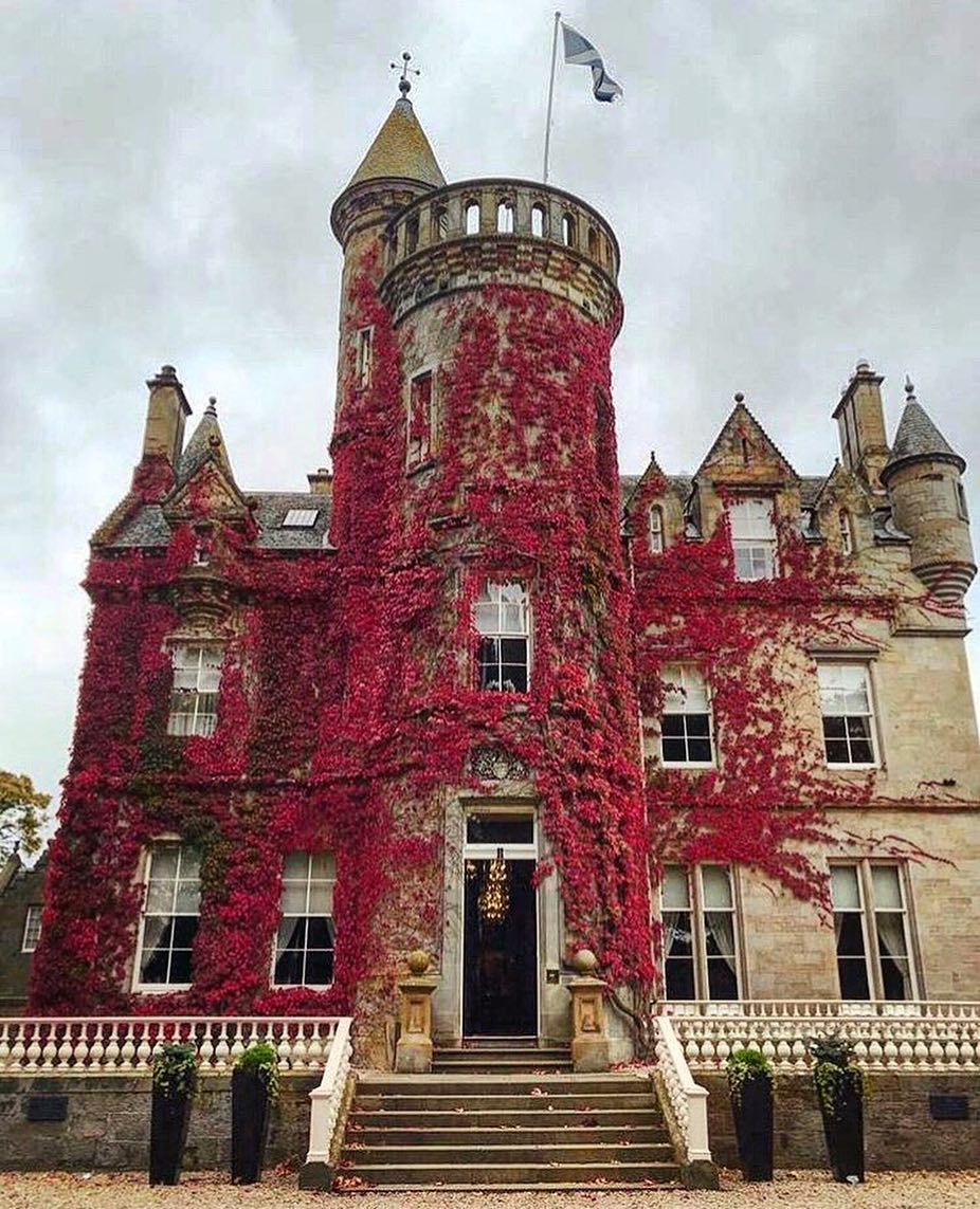 Castles Of Scotland On Instagram Carlowrie Castle Was Built In 1852 For Thomas Hutchison A Wine Merchant And At One Scotland Castles Scottish Castles Castle