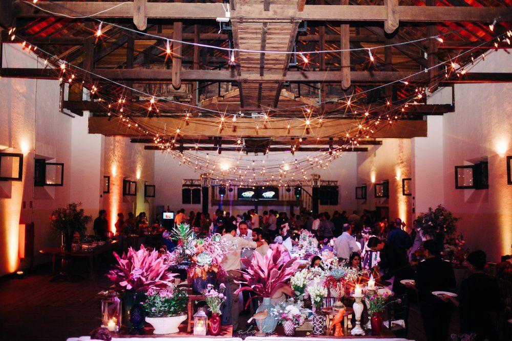 Decoração de casamento -  Varal de luzes Fica, vai ter bolo! Assessoria de Eventos   Planejando sonhos…   Page 2